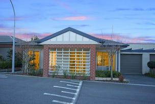 10 Greenside Drive/6 Bergins Road, Rowville, Vic 3178
