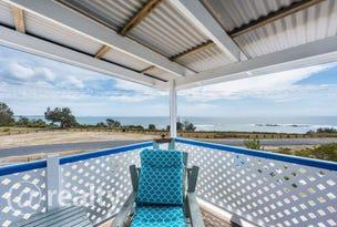 35 Waratah Crescent, Minnie Water, NSW 2462