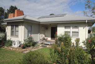 17 Gordon Street, Heyfield, Vic 3858