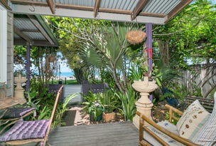 167 O'Shea Esplanade, Machans Beach, Qld 4878