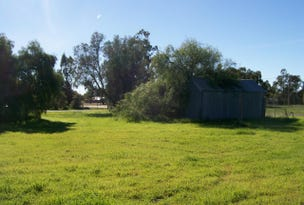 33 Young St, Oaklands, NSW 2646