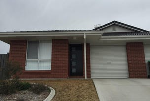 1/10 Schaefer Drive, Armidale, NSW 2350