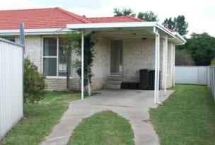 2/11 Centennial Cl, Armidale, NSW 2350