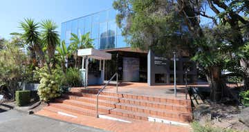 4/82 Queen Street Southport QLD 4215 - Image 1