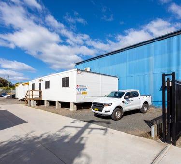 13 Glastonbury Avenue, Unanderra, NSW 2526