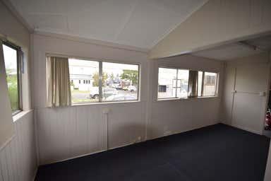 9 Thomas Street Toowoomba City QLD 4350 - Image 3