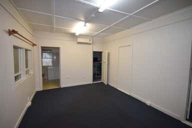 9 Thomas Street Toowoomba City QLD 4350 - Image 2