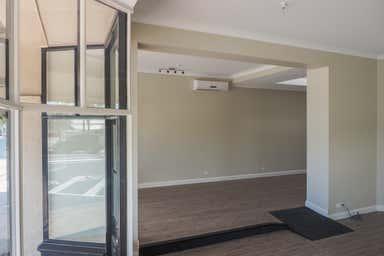 18 Lewis Street Port Lincoln SA 5606 - Image 3