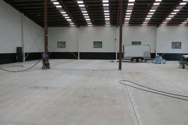 3 Pendrey Court Woodridge QLD 4114 - Image 3