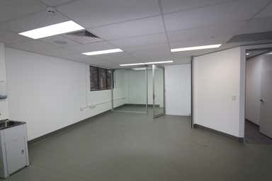 4/82 Queen Street Southport QLD 4215 - Image 4