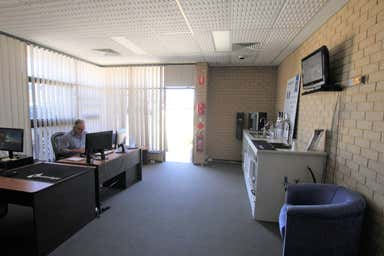 31 Collingwood Street Osborne Park WA 6017 - Image 4