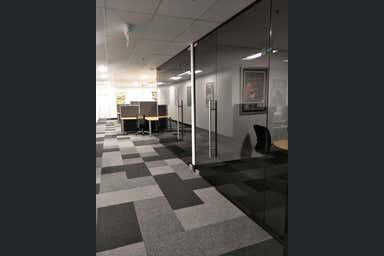 58 Kingston Drive Helensvale QLD 4212 - Image 3