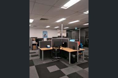 58 Kingston Drive Helensvale QLD 4212 - Image 4