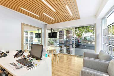 1/59 Hastings Street Noosa Heads QLD 4567 - Image 4