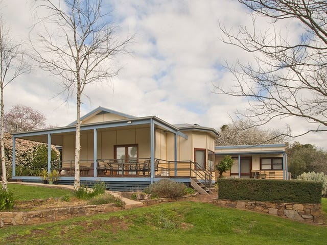 8 Western Avenue, Hepburn Springs, Vic 3461