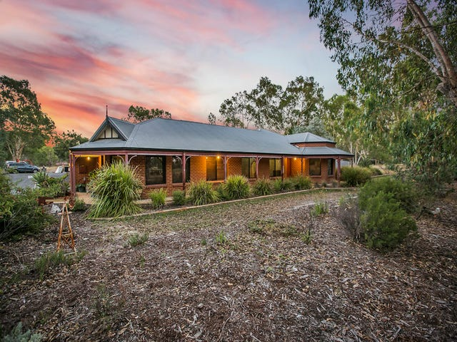 8  BRADDOCK ROAD, Wellard, WA 6170