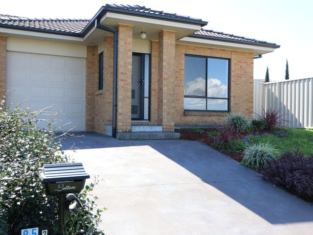 2/85 Brigantine Street, Rutherford, NSW 2320