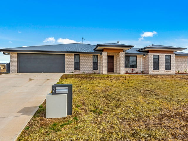 7 Massey Street, Kingsthorpe, Qld 4400