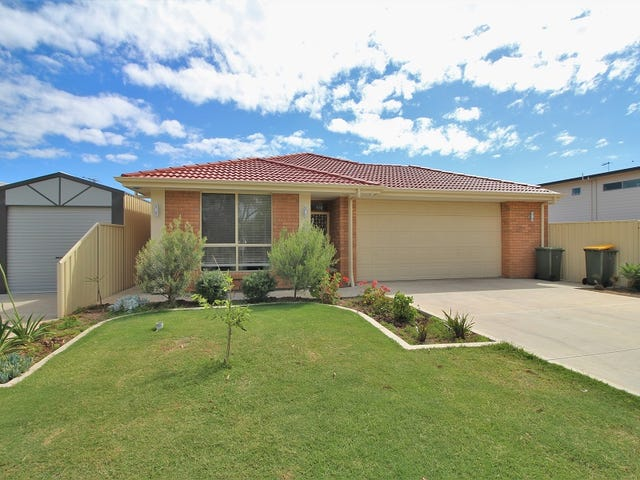 4 Harvey Crescent, Aldinga Beach, SA 5173