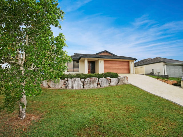 1 Greens Court, Southside, Qld 4570