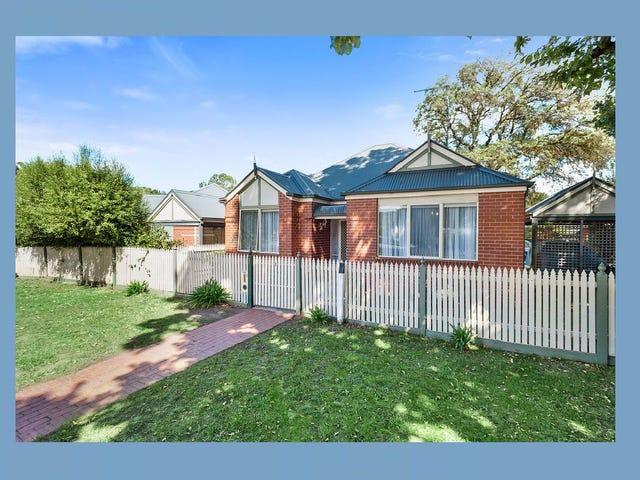 1/2-6 Melbourne Road, Gisborne, Vic 3437