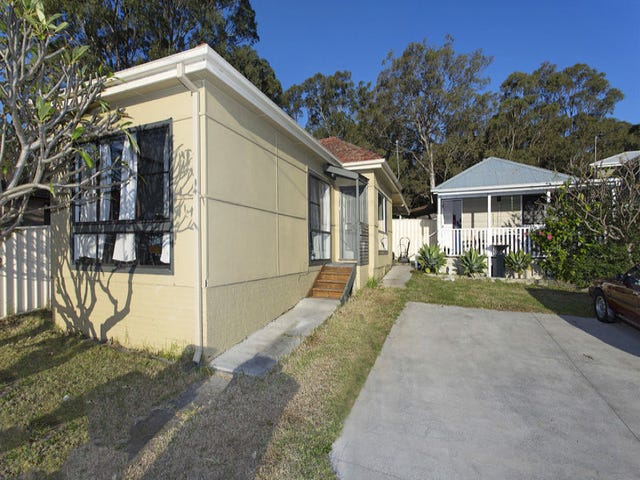 94 Lake Entrance Road, Oak Flats, NSW 2529