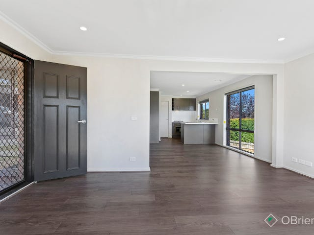 4/12-14 Somerset Drive, Warragul, Vic 3820