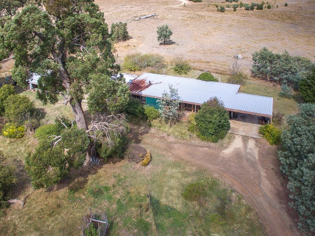 62 Monument Drive, Romsey, Vic 3434