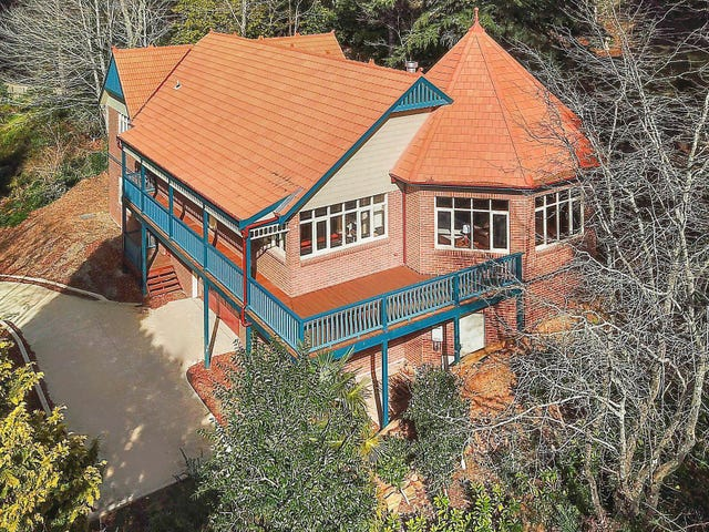 71 Blaxland Road, Wentworth Falls, NSW 2782