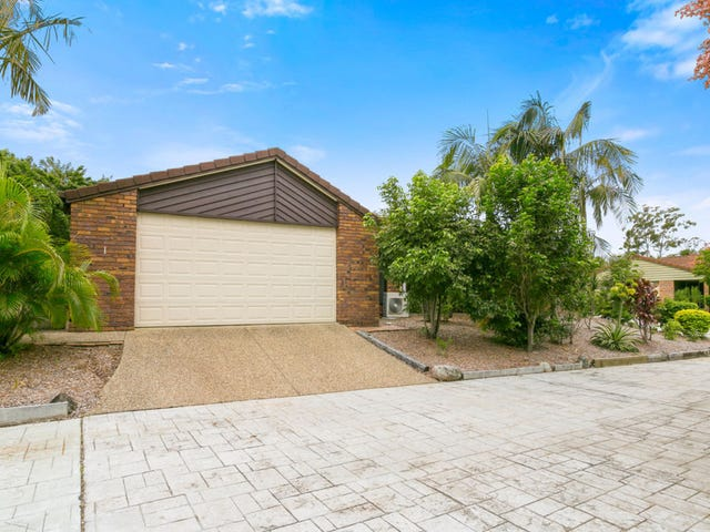 1/4 Madsen Place, Southport, Qld 4215