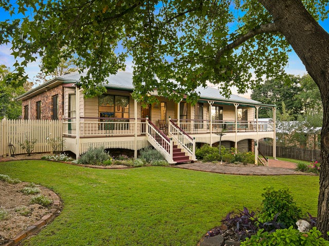 10 Sirron Street, Blue Mountain Heights, Qld 4350