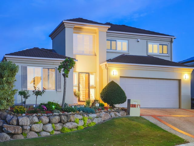 23 Flame Tree Crescent, Carindale, Qld 4152