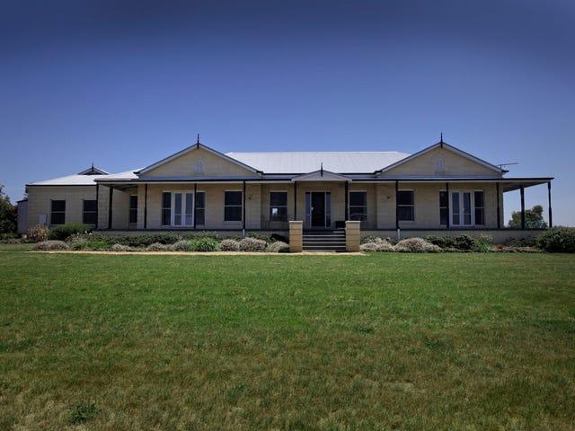 582 Mount Aitken  Road, Gisborne South, Vic 3437