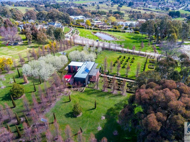 14 Fletcher Road, Beechworth, Vic 3747