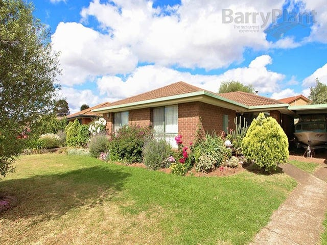 11 Chelmsford Way, Melton West, Vic 3337