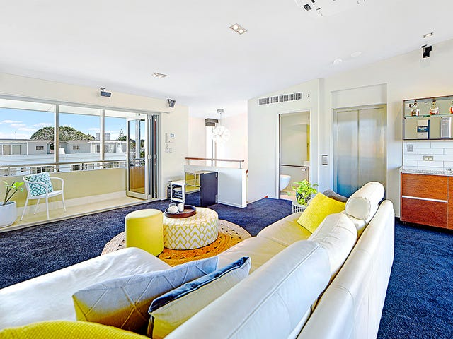 4/13 Second Avenue, Broadbeach, Qld 4218