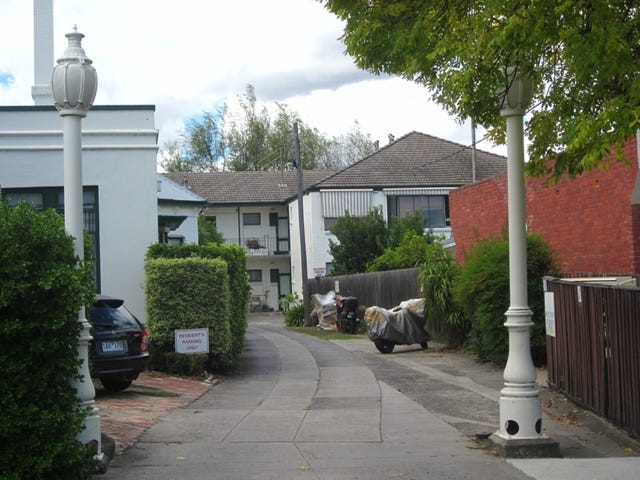 13/6 Francis Grove, Thornbury, Vic 3071