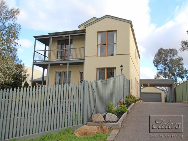 10 Lakewood Drive, Kennington, Vic 3550