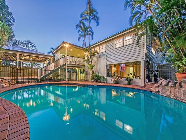 11 Peasant Street, Holland Park West, Qld 4121