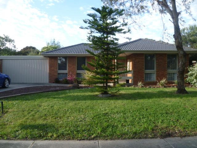 4 Balmoral Court, Rowville, Vic 3178