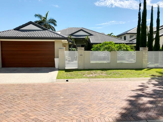 9 St Martin Place, Clear Island Waters, Qld 4226
