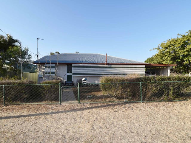 1 HACKETT TERRACE, Richmond Hill, Qld 4820