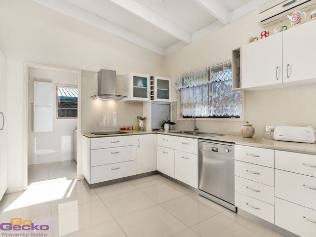 48 Phoenix Avenue, Bongaree, Qld 4507