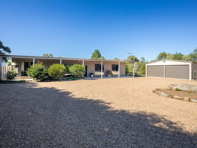 18 Connors Road, Lancefield, Vic 3435
