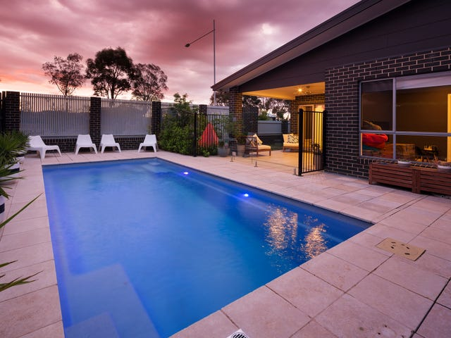 2 Willesee Rise, Coombs, ACT 2611