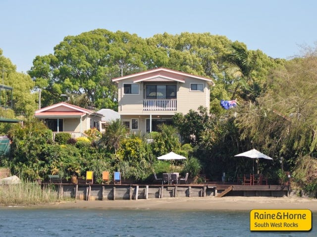 13 Russell Avenue, Smithtown, NSW 2440