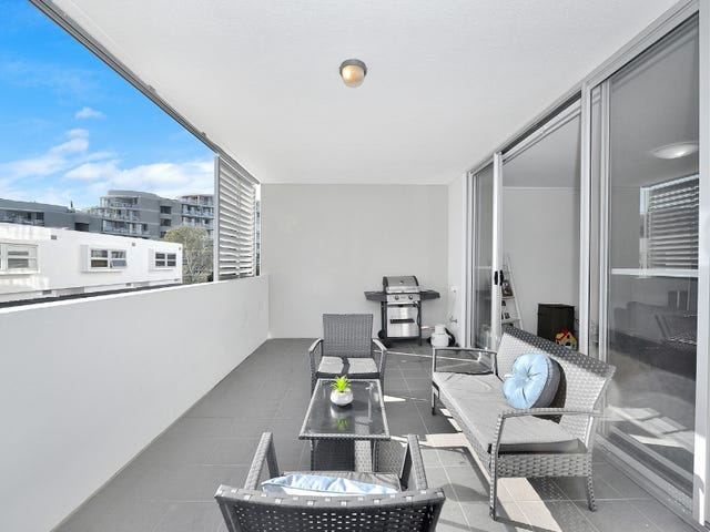 220/25 Bennelong Parkway, Wentworth Point, NSW 2127