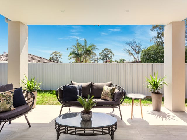 16 Lincoln Road, Georges Hall, NSW 2198