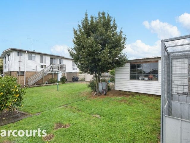 11 Charles Drive, Cardigan Village, Vic 3352