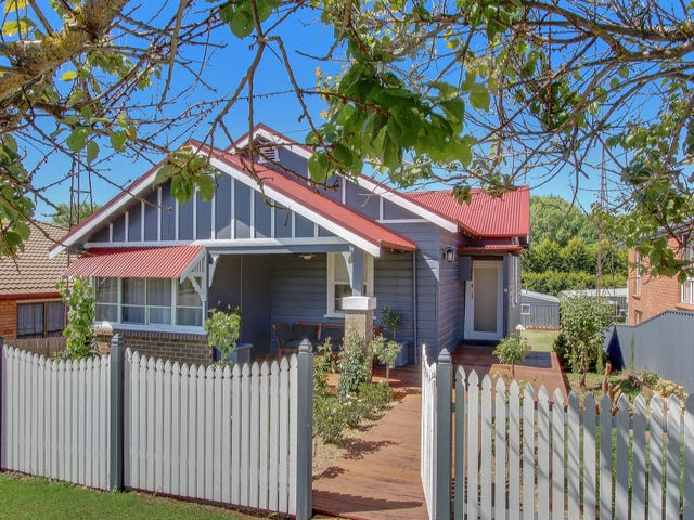 10 Findhorn Street, Crookwell, NSW 2583